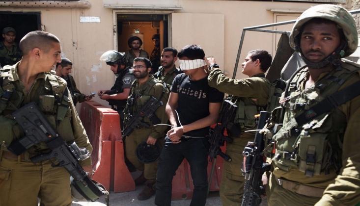 İşgalci İsrail Bir Filistinliyi Tutukladı