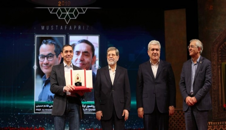 Koronavirüs Aşısını Bulan Uğur Şahin İran'da Ödül Almıştı