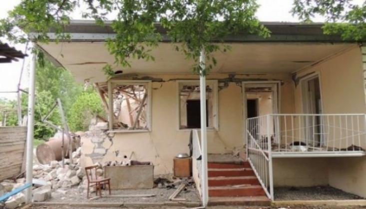 Azerbaycan'da Restoran ve Evlere Füze Atıldı