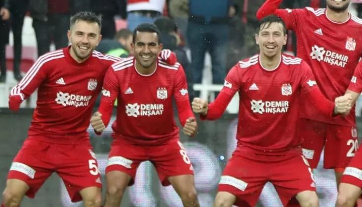 Galatasaray, Sivasspor'da Yıldızlaşan Üçlüyü Bitirdi!