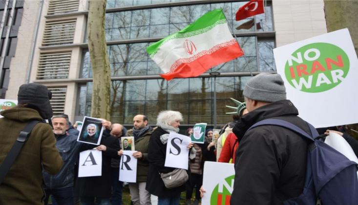 Brüksel'de Halk Trump'ı Protesto Etti