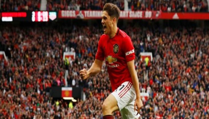 Manchester United Chelsea'yi Dağıttı!
