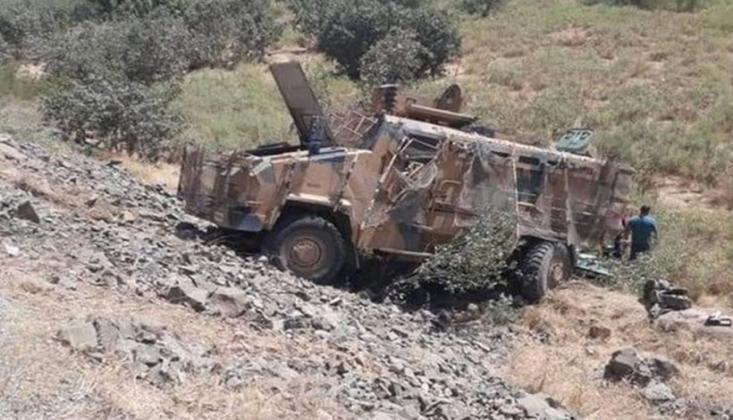 Hakkari'de Zırhlı Araç Devrildi