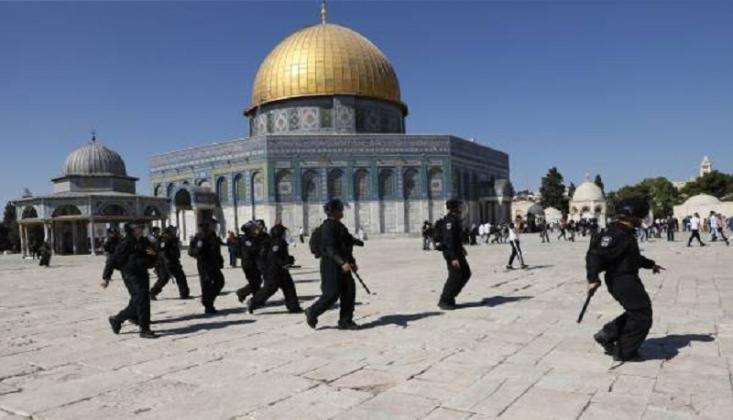 İşgalci İsrail Mescidi Aksa'da Cuma Namazını Engelledi