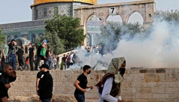 Siyonist İsrail, Filistinlilere Saldırdı