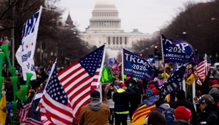 Polis ABD Kongre Binasını Göstericilerden Geri Aldı