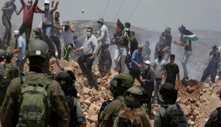 Siyonist İşgalciler Filistinlilere Saldırdı