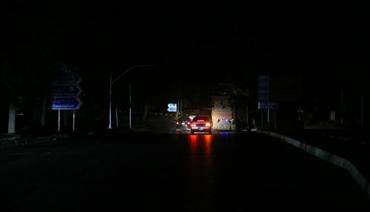 Pakistan Karardı: Ülke Çapında Elektrik Kesintisi Yaşanıyor