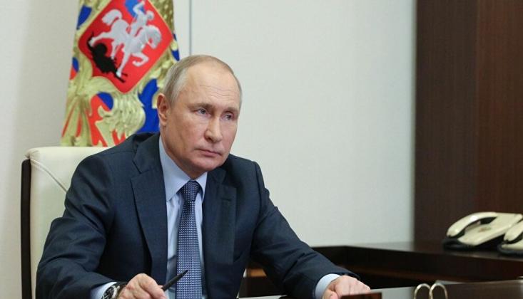 Putin: Suriye'deki Askerlerimiz, ABD Kontrolündeki Militanları Yakaladı