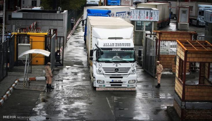 İran ile Türkiye Sınır Kapısını Ticari Geçişlere Kısmen Açtı