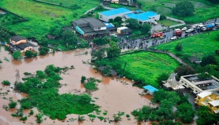 Hindistan'da Sel ve Toprak Kaymaları