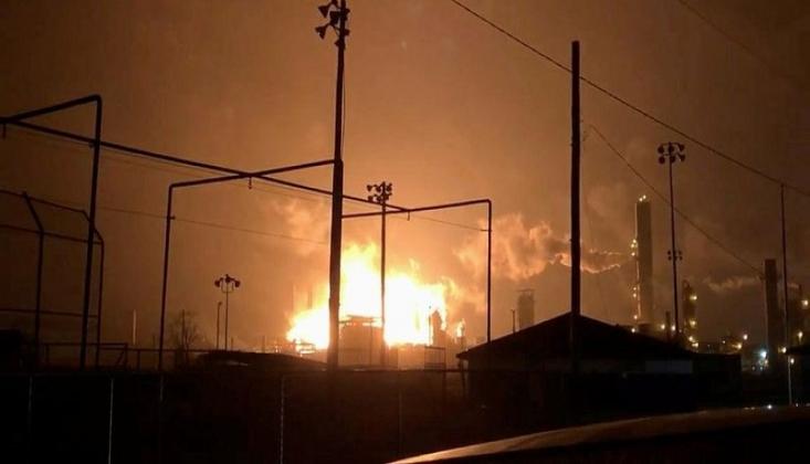Amerika'da Uçak Fabrikasında Patlama