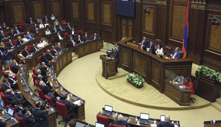 Ermenistan Parlamentosu Sıkıyönetimi Kaldırmayı Reddetti
