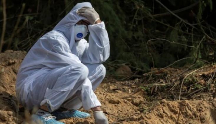 Hindistan'da Koronavirüsten 730 Ölüm Daha