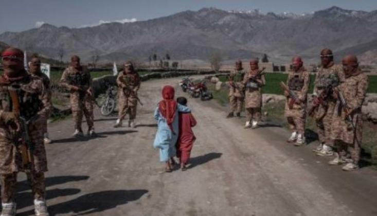 Afganistan'da Taliban ile Çatışma