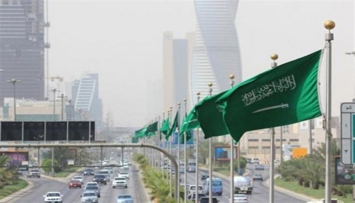 Suudi Yetkililer, Suudi Arabistan'daki Yoksulluk Krizini Gizlemeye Çalışıyor