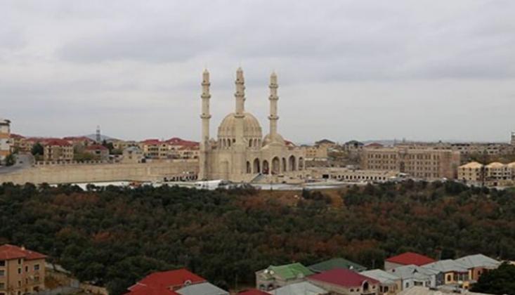 Azerbaycan'da Hoparlörle Ezan Yasağı
