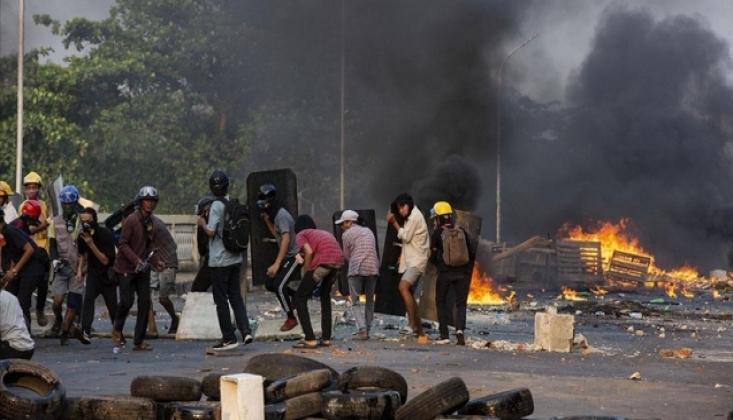 Myanmar'da Eylemlerde 16 Kişi Öldürüldü