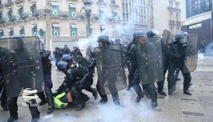 Fransa'da Sarı Yeleklilere Gözaltı
