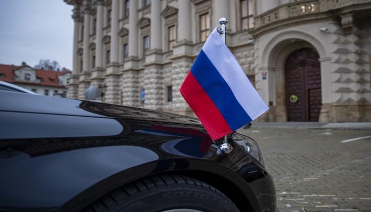 Rus Diplomatlar Sınırdışı Edildi