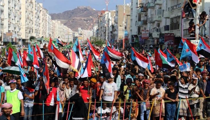 Yemen'de Devrim Çağrısı: Kalkın! Hayat, İzzetli Yaşanmış Birkaç Sabahtır