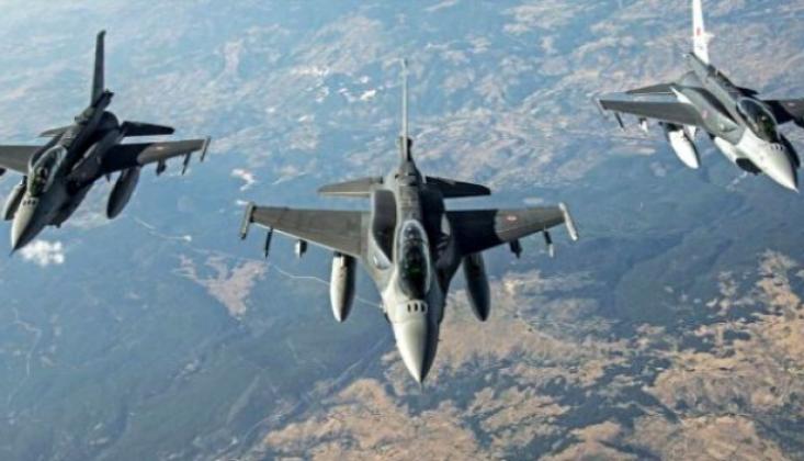 ABD, Suriye'de Petrol Tankerlerini Vurdu
