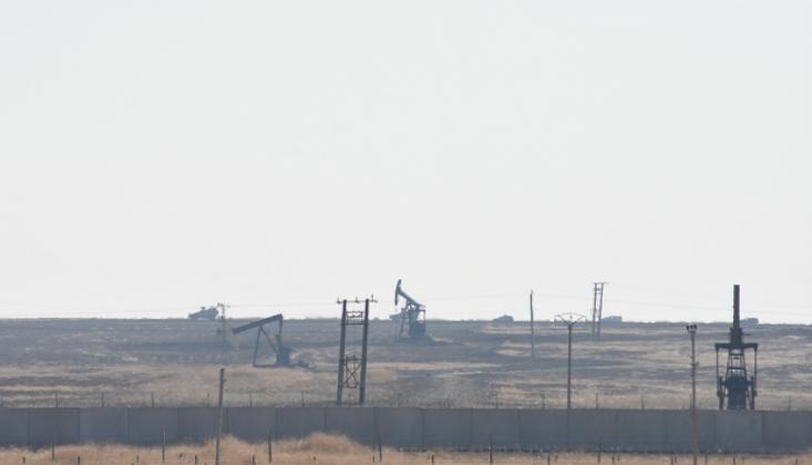 Suriye'deki Petrol Kuyularının Çevresinde ABD Devriyesi Görüntülendi