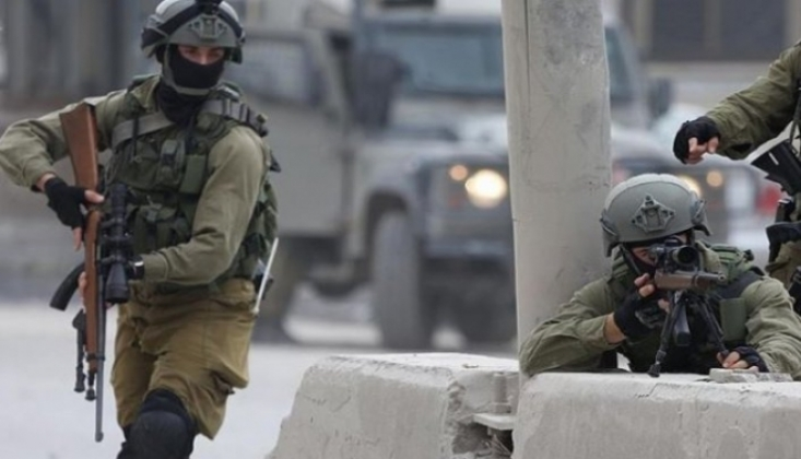 İşgalci İsrail 18 Filistinli'yi Gözaltına Aldı