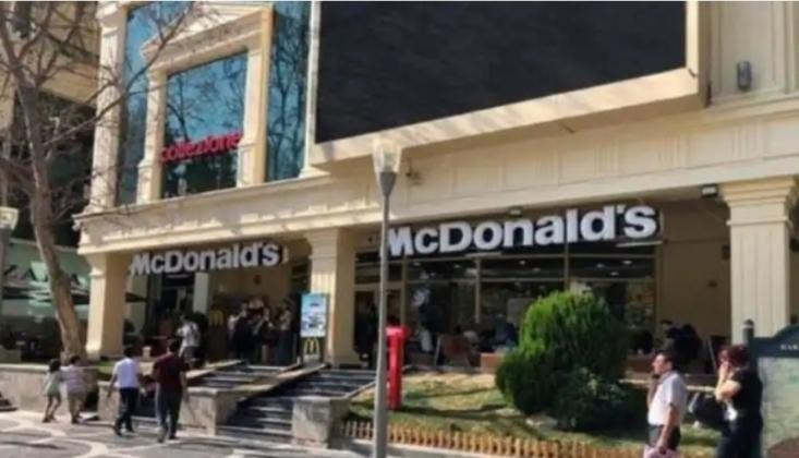 Azerbaycan Halkı, Amerikan Restoranlarını Protesto Etti