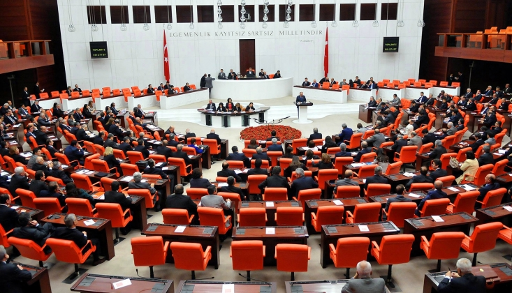 AKP, Seçim Barajına ve Sonradan Kurulan Partilere Sınırlama Getiriyor