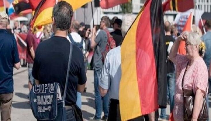 Almanya'da Türkiye'nin Barış Pınarı Harekatı Protesto Edildi