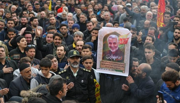 İran Halkı Sokaklara Döküldü