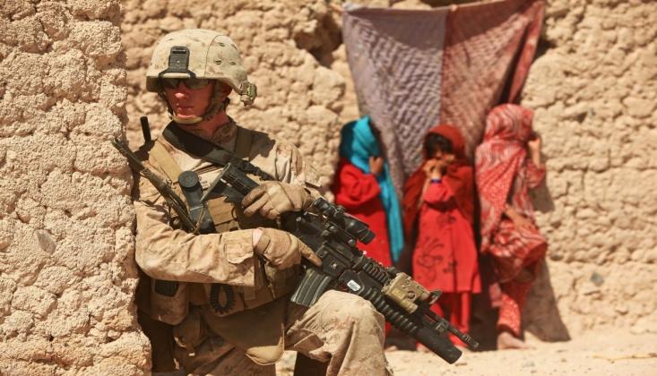 İşgalciler Afganistan'dan Çekilmeye Başladı