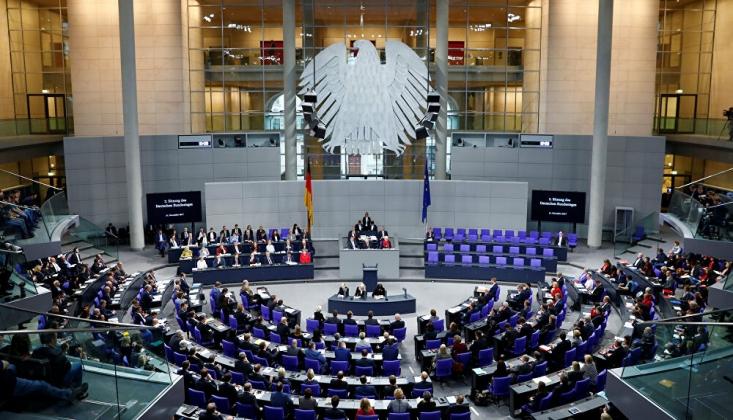 Alman Meclisi Türkiye'ye Silah Ambargosunu Görüşüyor
