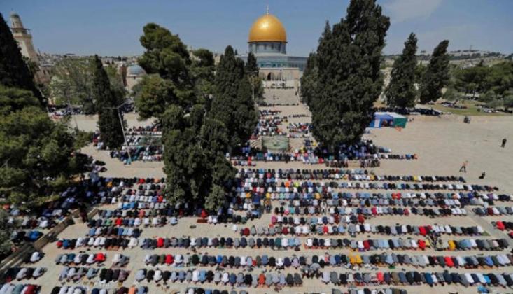 Filistinliler Mescid-i Aksa'dan Mesaj Verdi