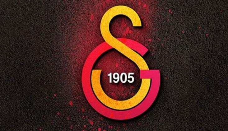 Galatasaray'lı Futbolcunun Elinde Havai Fişek Patladı!