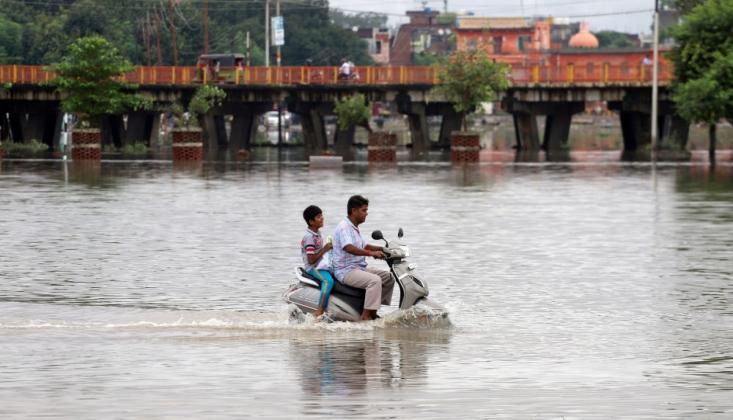 Hindistan'da Sel Can Almaya Devam Ediyor