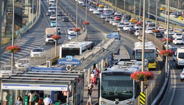 İstanbullular en çok ulaşımdan şikayet etti