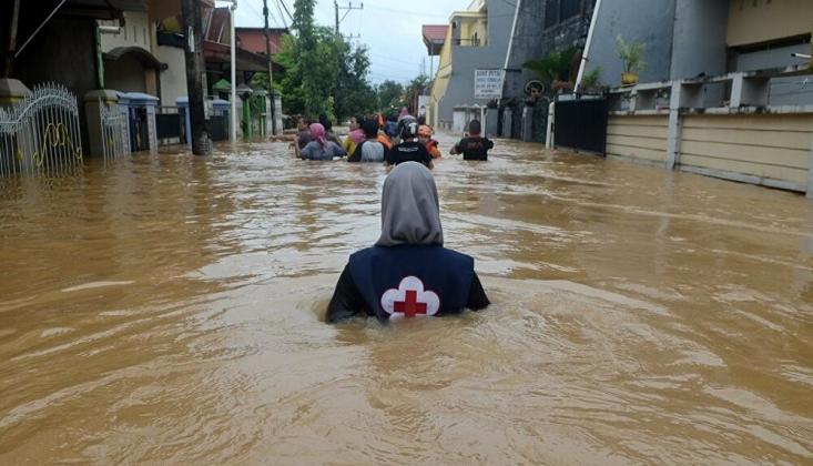 Endonezya'da Sel Felaketi: 44 Ölü