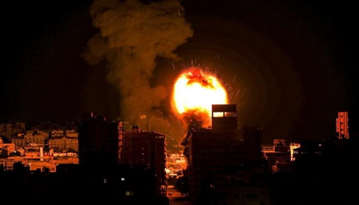 Siyonist Rejim Gazze'yi Bombaladı