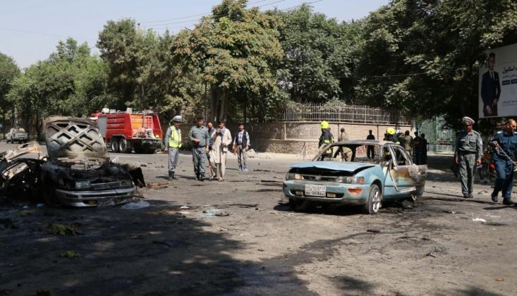 Afganistan'da Stadyuma Bombalı Saldırı