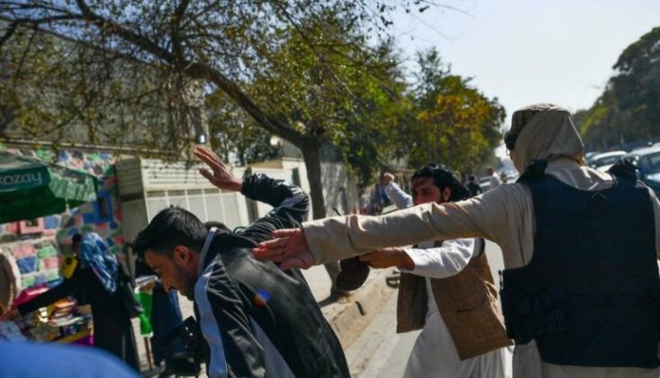 Taliban Gazetecilere Saldırdı