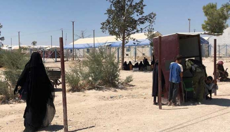 Suriye'deki Kamplarda Tutulan IŞİD'ci Kadınlar Anlatıyor