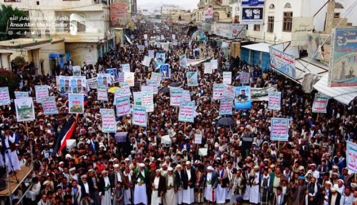 Yemen'de Halk Sokaklara Döküldü