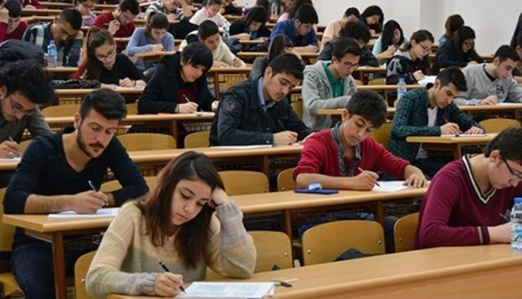 Üniversite Sınavına Giren Adayların Yarısına Yakını...