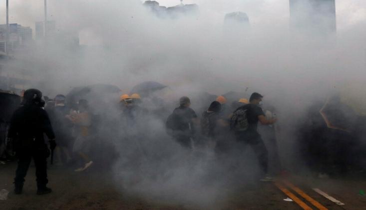Hong Kong: ABD Çifte Standart Uyguluyor