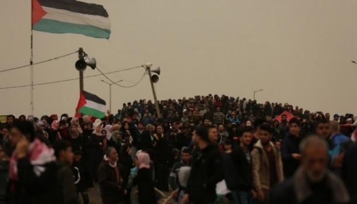 İşgalci İsrail Güçleri Büyük Dönüş Yürüyüşü'ne Saldırdı