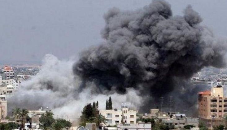Suudi-BAE Koalisyonu Yemen'deki Yerleşim Alanlarını Yine Bombaladı