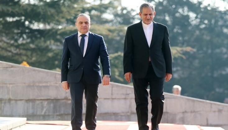 Suriye Başbakanı Tahran'da Resmi Törenle Karşılandı