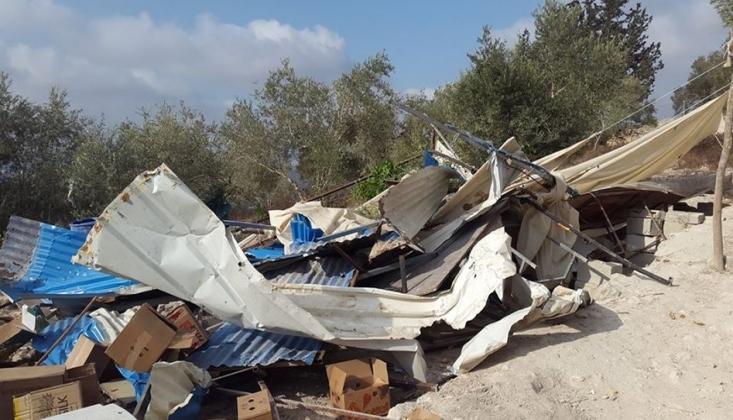 Siyonist Rejim Filistinlileri Zorla Yaşadıkları Bölgeden Çıkardı